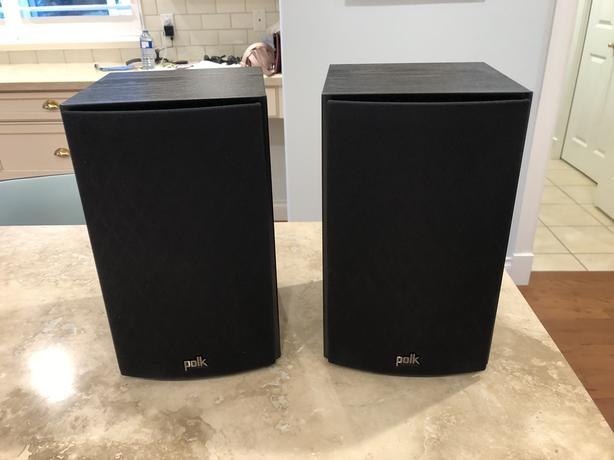 POLK T15 Bookshelf And Or Home Theatre Speakers