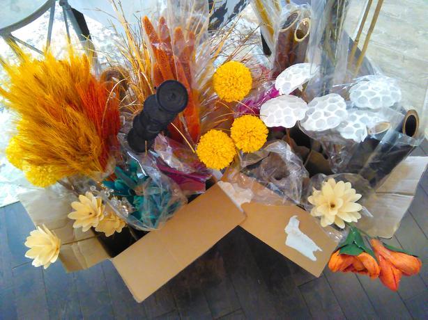 Decorative (Artificial) Flowers