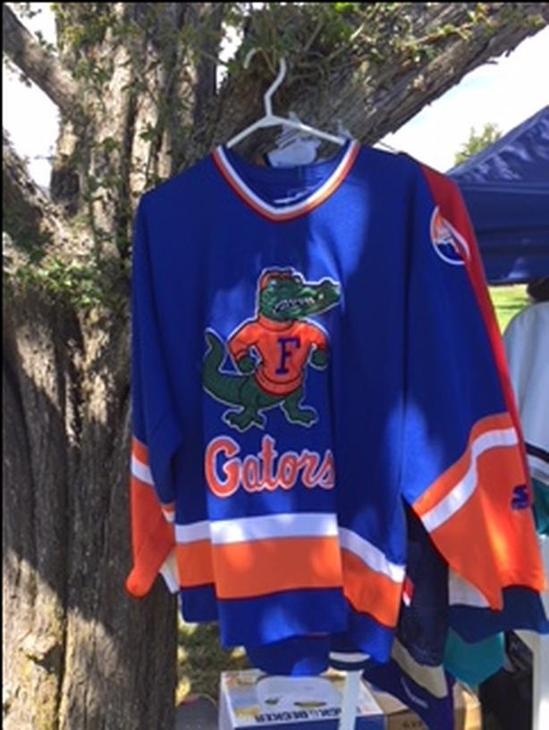 Florida Gators Hockey Jersey - M Saanich 90921e1b042