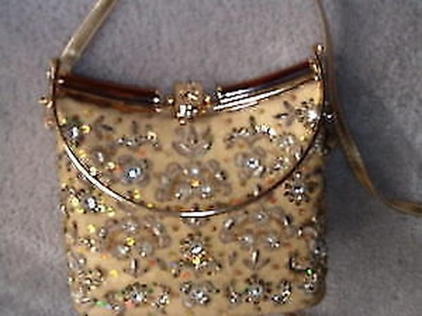 purse vintage , gold threads art leaves with stones rhinestone