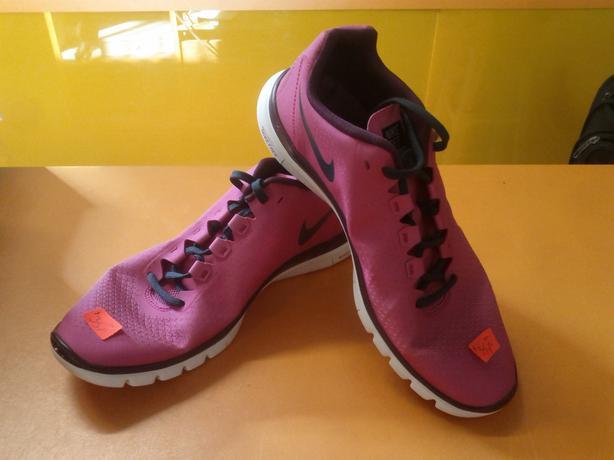 Size 10, Women Nike Free 3.0