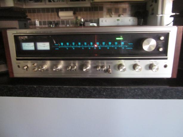 Pioneer SX-737 vintage stereo