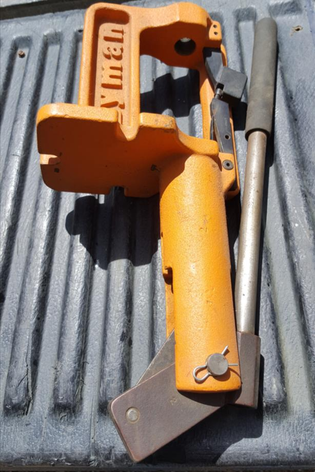 Lyman Orange Crusher re-loading press
