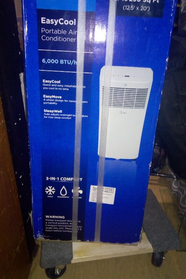 BRAND NEW MIDEA AIR CON