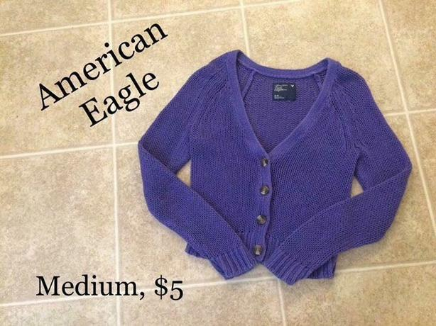 Womens American Eagle Shirt/Sweater
