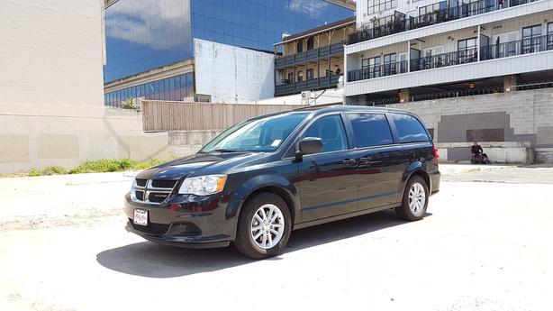 ** 2014 Dodge Grand Caravan Stow n Go - Back up camera - Nav