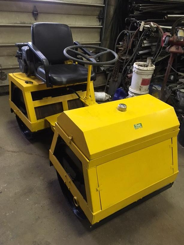 ROLLER COMPACTOR SMOOTH DRUM