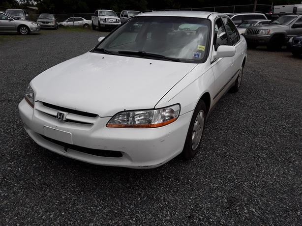 1998 Honda Accord, 4 cylinder FWD with only 256k km's!!!