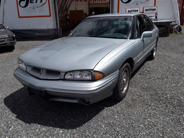 1997 Pontiac Bonneville, 6 cylinder FWD with only 128k km's!!!