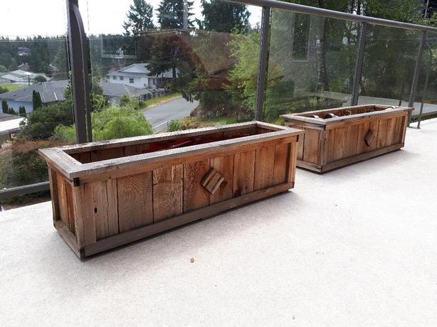 Great Cedar planters