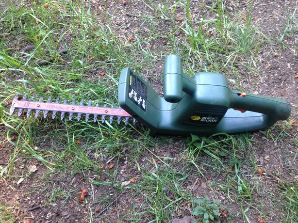 "13"" Black & Decker Electric Hedge Trimmer"