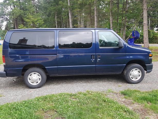 2011 Ford E150 XL Econoline passenger van clubwagon E-150