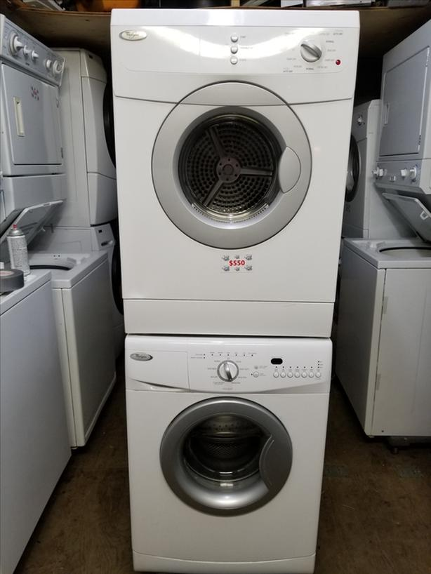 """24"""" WHIRLPOOL apartment sized washer and dryer set Saanich, Victoria"""