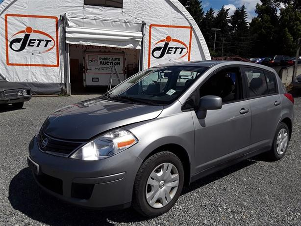 2011 NISSAN VERSA, 4 cylinder FWD with only 137k km's!!!