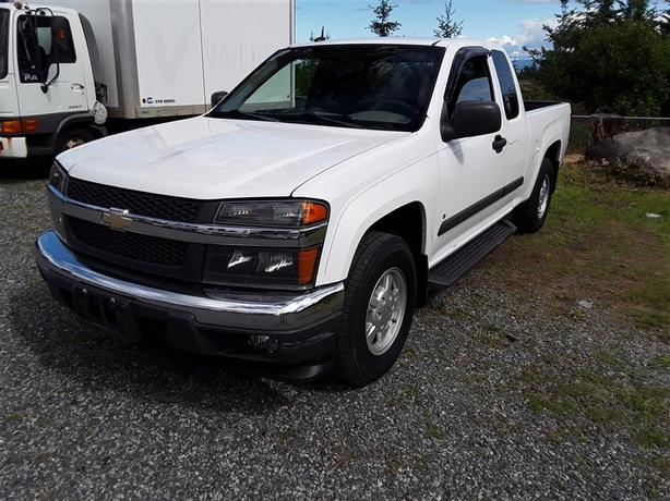 2008 Chevrolet Colorado, clean interior 4 cylinder with only 182k km's!!