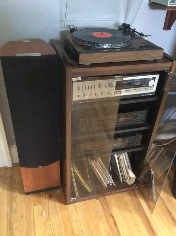 Wanted To Buy Old Audio Equipment.