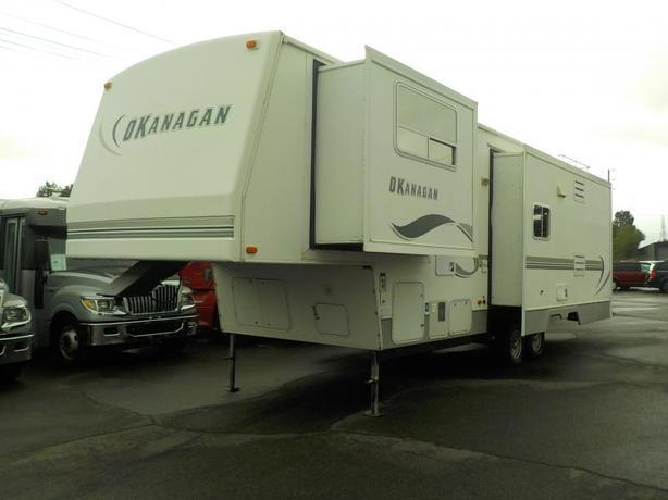 2003 West Coast Leisure 34 Foot Okanagan Fifth Wheel Travel Trailer 3 Slide Outs