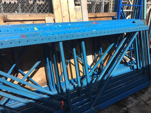 W\arehouse Pallet Racking