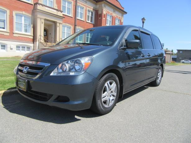 Nice 2006 Honda Odyssey EX, NEW Timing Belt, Power Doors, 7 Passenger