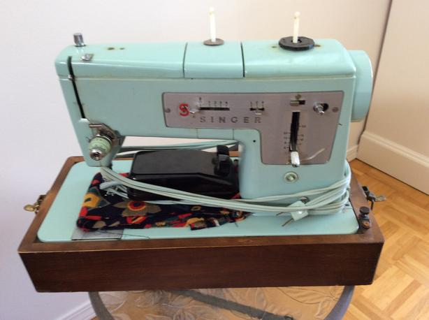 Vintage green Singer 338 Sewing Machine - offers
