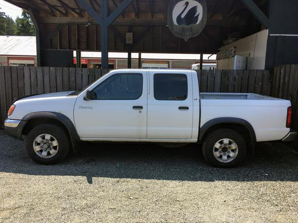 2000 Nissan Frontier Crew Cab 4x4 Mechanic39s Special Outside