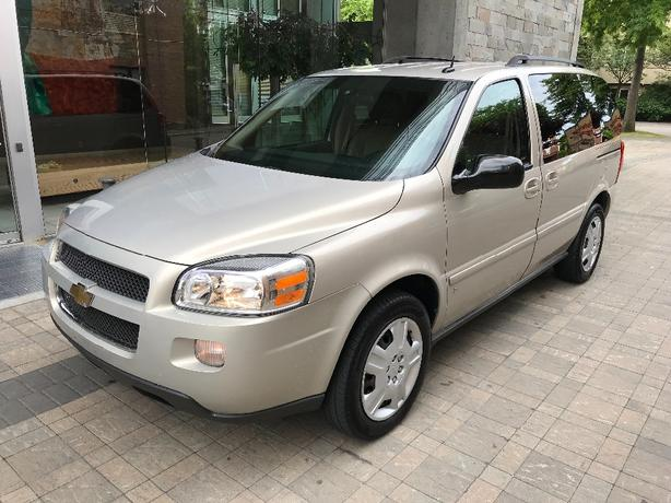 2009 Chevrolet Uplander with only 107k