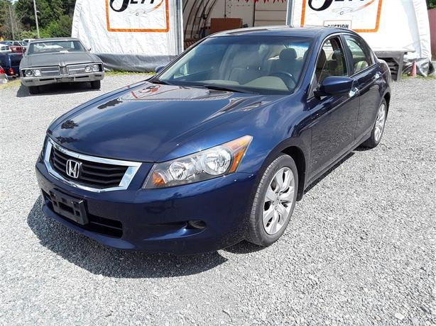 Captivating 2008 Honda Accord, 6 Cylinder FWD With Only 142k Kmu0027s!