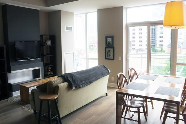 Beautiful 1 Bedroom + Den, 1 Bathroom Open Concept Condo
