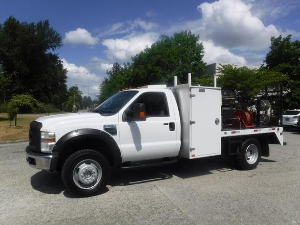2009 Ford F-550 Regular Cab 4WD 8.5 Foot Flat Deck with Welder