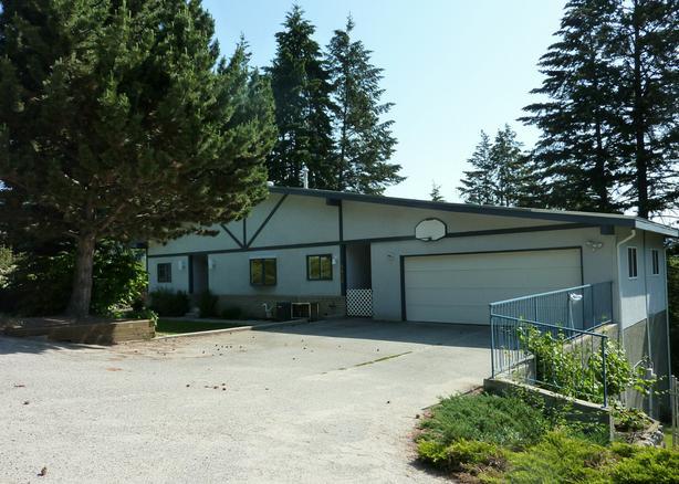 1623 West Kelowna Road Rose Valley Home