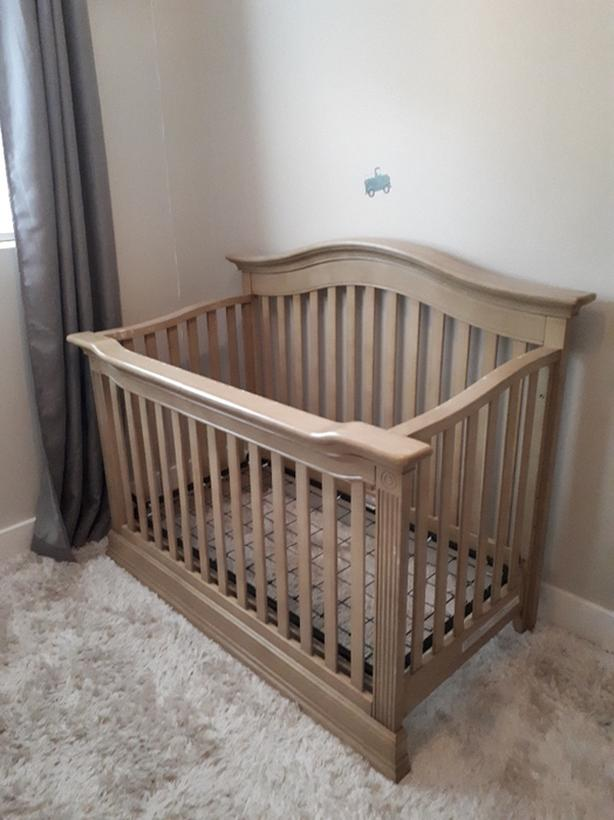 Baby Cache Montana Crib With Coverter Kit Saanich Victoria
