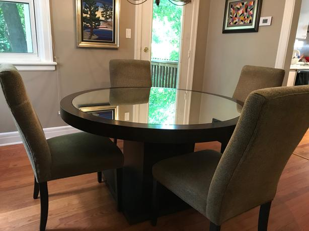 For Sale Dining Room Table And Set Of 6 Chairs