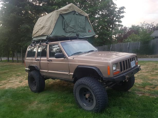 1999 jeep Cherokee xj with rooftop tent - new price & 1999 jeep Cherokee xj with rooftop tent - new price Saanich Victoria