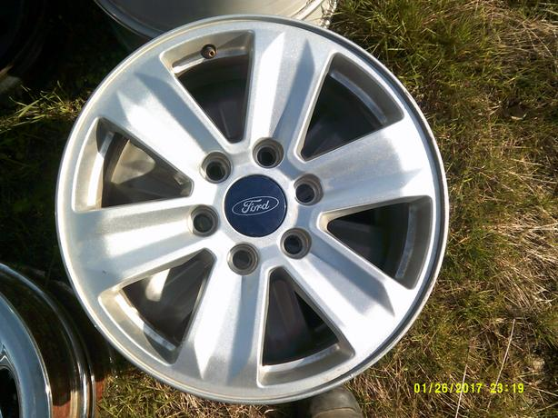 Ford F150 Bolt Pattern >> 17 34 Ford F150 Wheels Outside Cowichan Valley Cowichan
