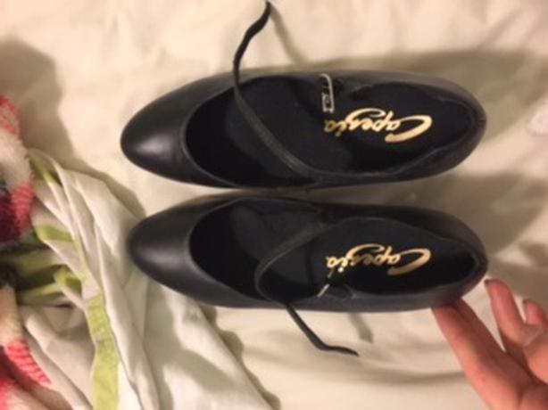 charactar shoes size 8 saanich victoria