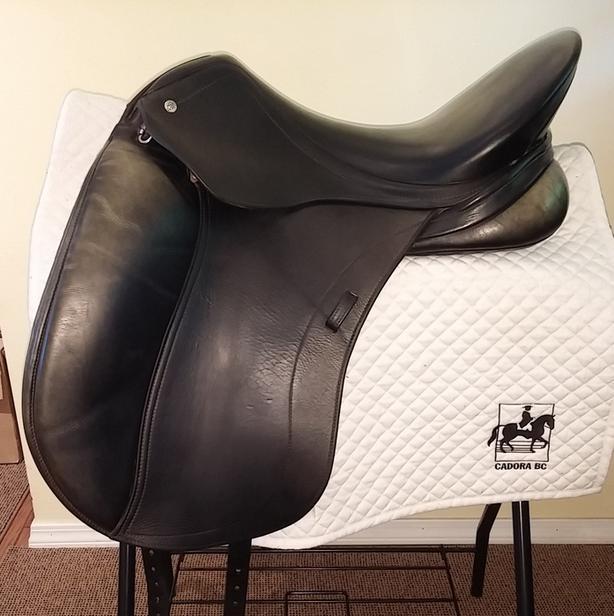 """Schleese HK Dressage Saddle - 18"""""""