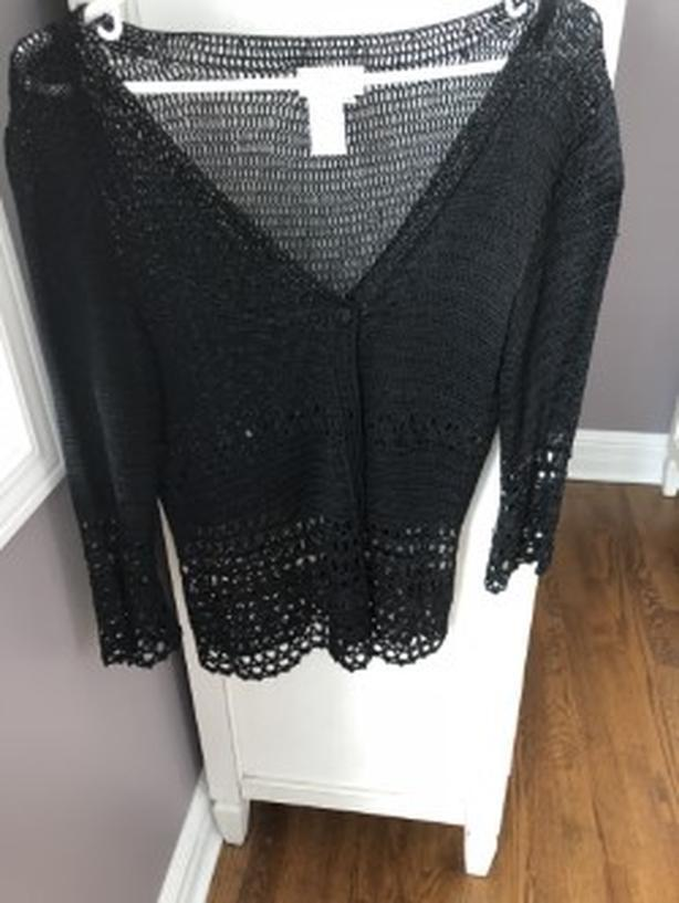 LADIES BLACK LAURA PETITE FANCY BUTTON UP SWEATER - SIZE LARGE