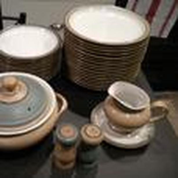 Luxor Denby 76 pieces - NEW LOWER PRICE Duncan, Cowichan
