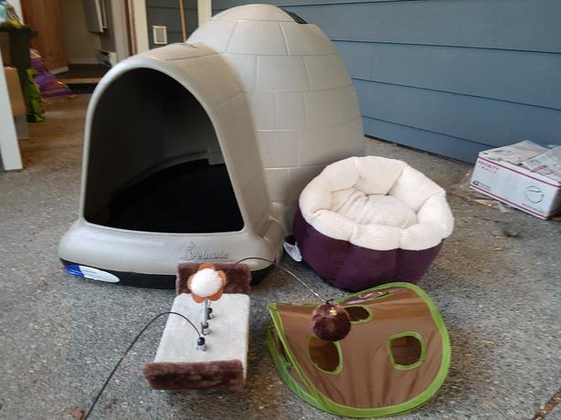 Dog Kennel Igloo For Sale -  $75