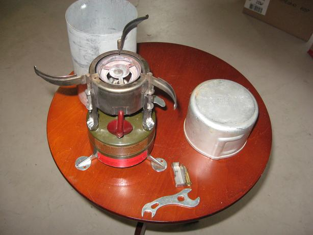  Log In needed $50 · Vintage Wyott Coleman? M1950 military ? single burner  stove, case and part
