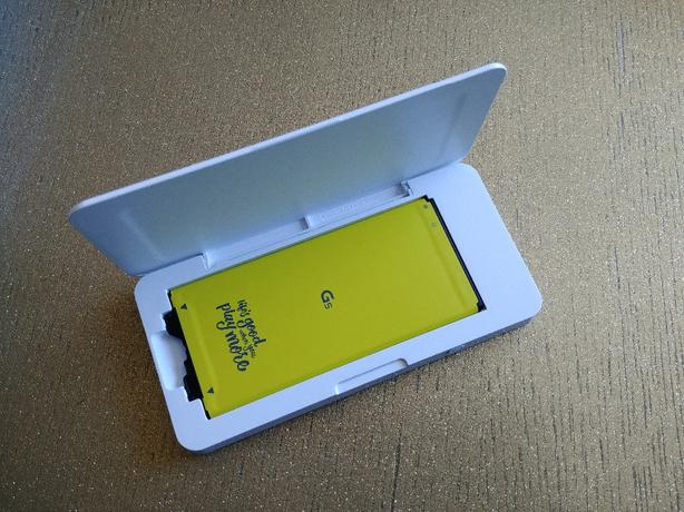 sale retailer d34d7 a2f1f  Log In needed $20 · LG G5 battery & case