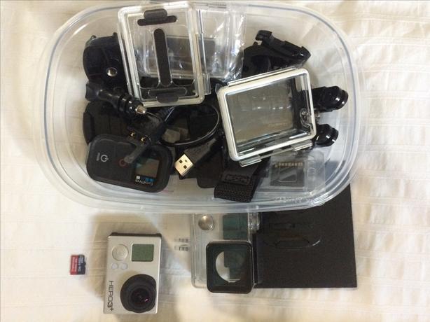 GoPro Hero 3+ Silver Edition w. Remote & Accessories, 32gb SD card