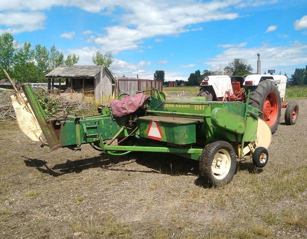  Log In needed $2,500 · 224T John Deere Square Baler