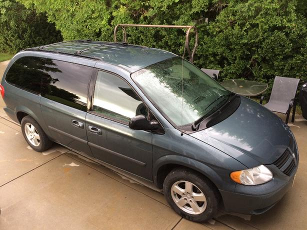 2006 Grand Caravan with stow and go seating