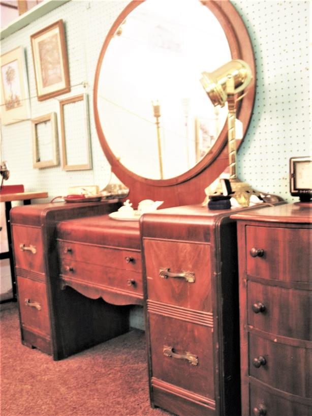 Deco Waterfall Vanity With Round Mirror West Shore Langfordcolwood