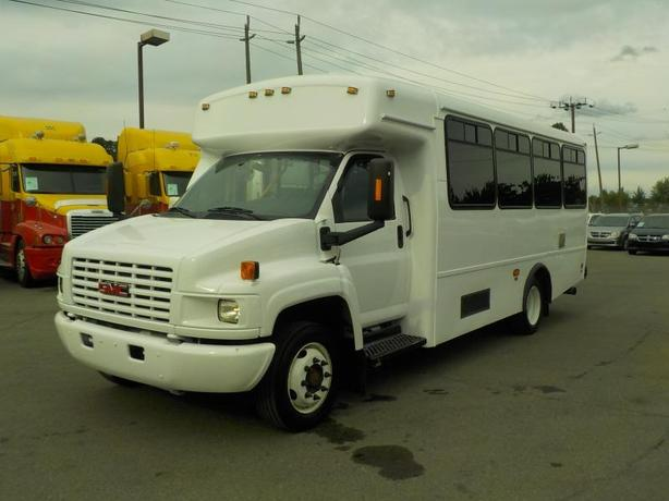 2009 GMC C4500 Diesel 21 Passenger Bus with Wheelchair Accessibility