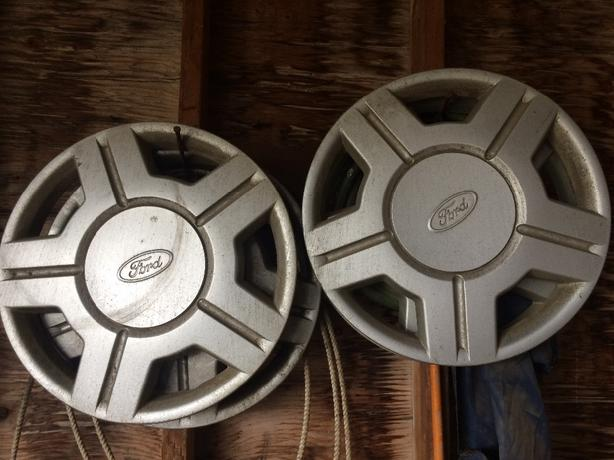 Hubcaps for Windstar