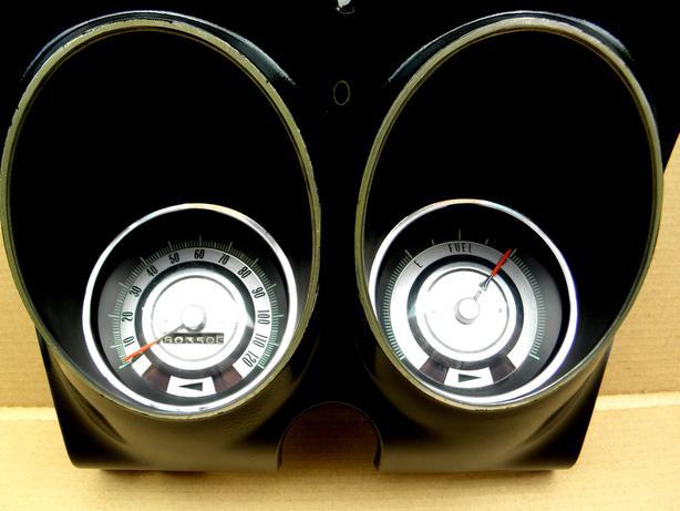 1968 67 Chevy Camaro Firebird Speedo Fuel Dash Cluster Gauges