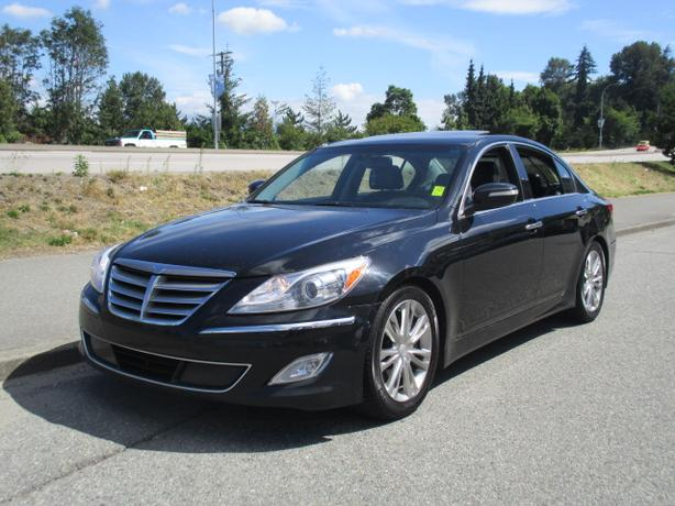 *** 2012 HYUNDAI GENESIS WITH TECH PACKAGE , BEAUTIFUL , CALL 604-580-3161 ***