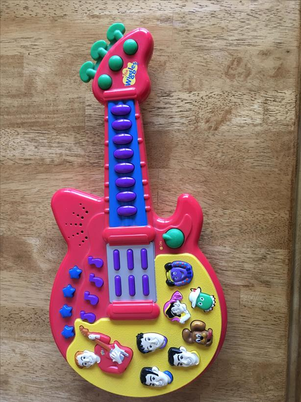 Wiggles Electronic Guitar West Shore Langfordcolwoodmetchosin